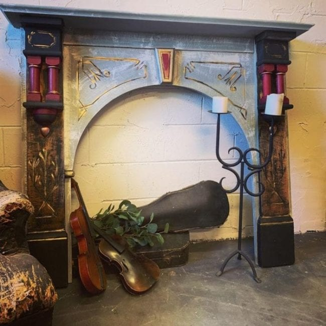 Makeover a Fireplace Mantel